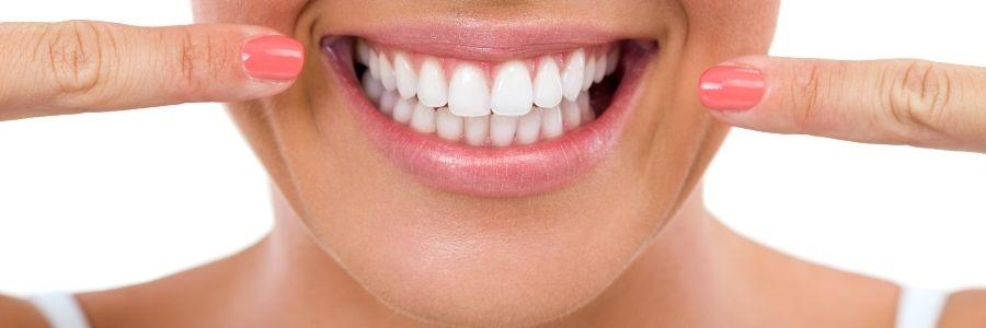 Les esthéticiennes peuvent-elles proposer le blanchiment dentaire ?